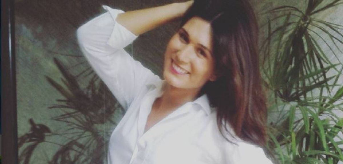 Valeria Licciardi, nostálgica, se vistió de colegiala
