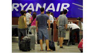 Mal trago: piloto de avión hizo un aterrizaje de emergencia para bajar a doce borrachos