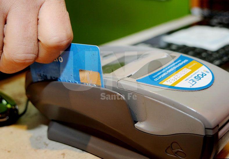 Cuidado. Es recomendable tomarse el tiempo necesario y chequear todos los datos antes de operar. Foto: Manuel Testi / UNO Santa Fe.