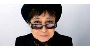 Yoko Ono debió ser internada de urgencia en New York