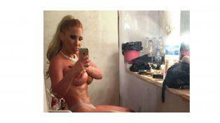 Ayelén Paleo al desnudo en el camarín