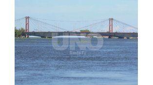 El río Paraná está estacionario y baja el Salado, mientras 1.605 personas permanecen evacuadas