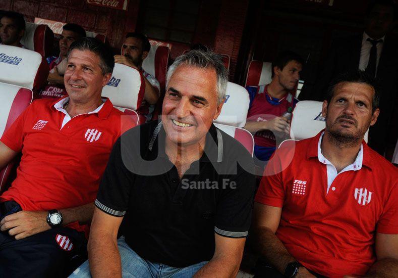 Otro de los objetivos de Leonardo Madelón es sacarle la pelota al rival y jugarla siempre por los carriles. UNO/Juan Baialardo