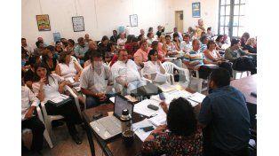 Docentes deciden si aceptan o rechazan la oferta que le hizo el Gobierno Provincial