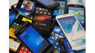 Los cinco puntos clave del plan canje de teléfonos celulares que impulsa el gobierno nacional