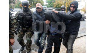 Apresado. Leiva fue detenido en un procedimiento policial realizado en el conurbano bonaerense en el 2014. Había estado siete meses prófugo de la Justicia santafesina luego del homicidio en el bar. UNO de Santa Fe/Juan M. Baialardo