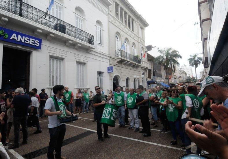 ATE ratificó el paro nacional: Los despidos son inaceptables