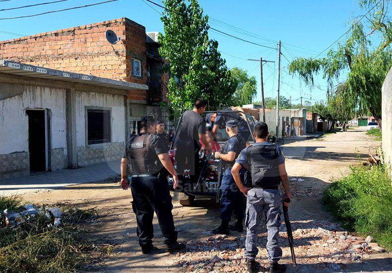 Uno de los detinidos tras el enfrentamiento en barrio San Lorenzo.