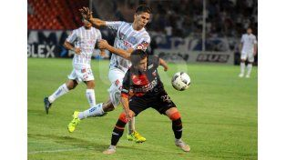 Godoy Cruz terminó goleando en Mendoza a Colón 4 a 1 y lo dejó sin invicto