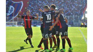 San Lorenzo continúa por la buena senda: derrotó a Vélez y escaló a la punta de la Zona 1 del campeonato.