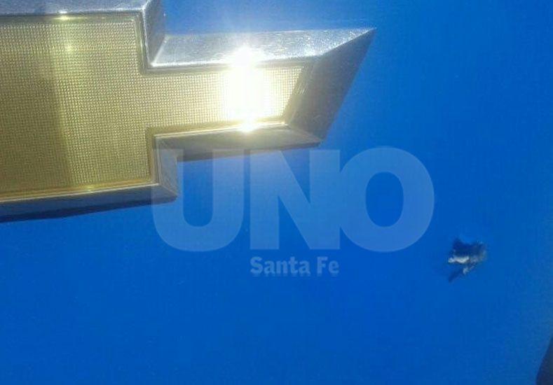 Balearon un patrullero en Barranquitas cuando más de la mitad de Santa Fe permanecía sin luz