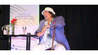 Cacho Castaña presentó su primer libro Vida de artista