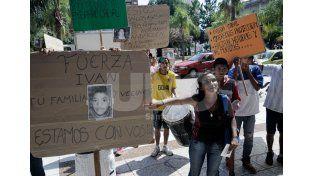 Quieren justicia. Mientras el niño de 11 años agonizaba en el hospital