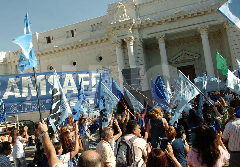 Amsafé rechazó la propuesta salarial de la provincia