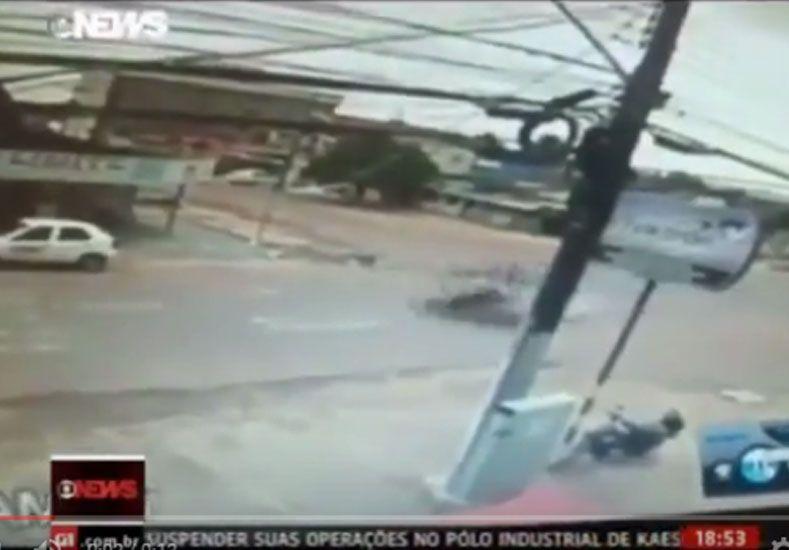 VIDEO: Terrible choque entre dos motos en Brasil a gran velocidad