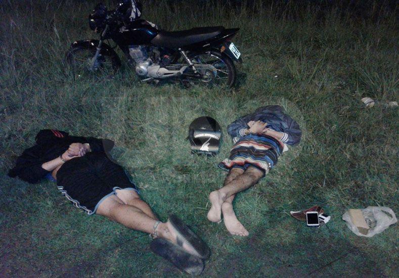 Detuvieron a dos hombres que llevaban droga en la ruta 19