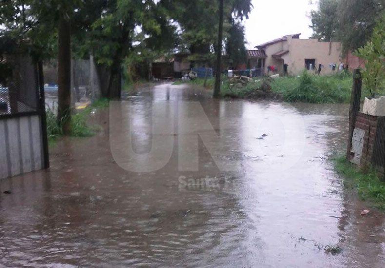 Así se encontraban las calles del barrio General Paz de Santo Tomé tras las lluvias del miércoles por la mañana.