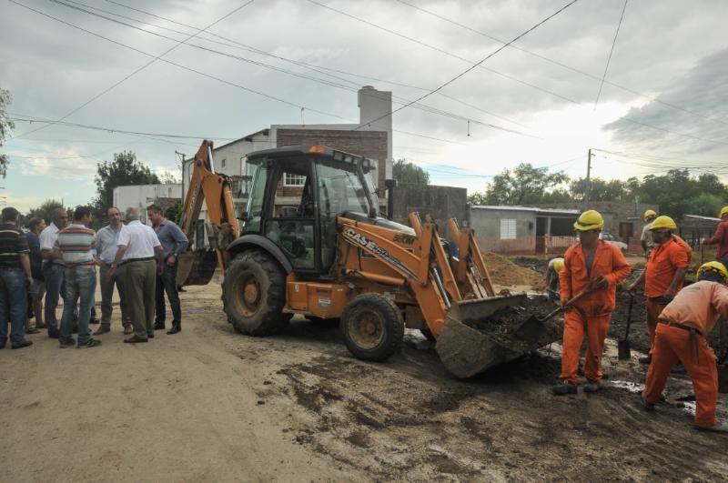 El Municipio avanza con la pavimentación de Juan Díaz de Solís en barrio San Lorenzo