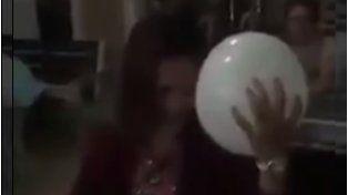 ¿Coincidencia o mensaje del más allá? Las imágenes del globo blanco disparán la polémica en la red.