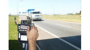 Piden informes sobre radares en la autopista Santa Fe- Rosario