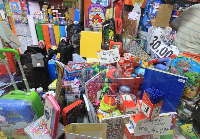 El Gobierno acordó una canasta escolar con supermercados