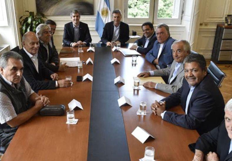 Al cabo de la reunión con los sindicalistas, Macri apura cambios en Ganancias