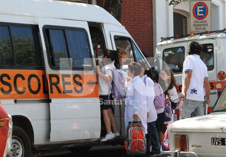 Preocupación. Los padres ya comenzaron a consultar sobre las subas y analizan el presupuesto / Foto: Manuel Testi - Uno Santa Fe