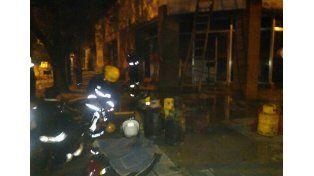 Cinco personas resultaron heridas por un incendio en Avellaneda