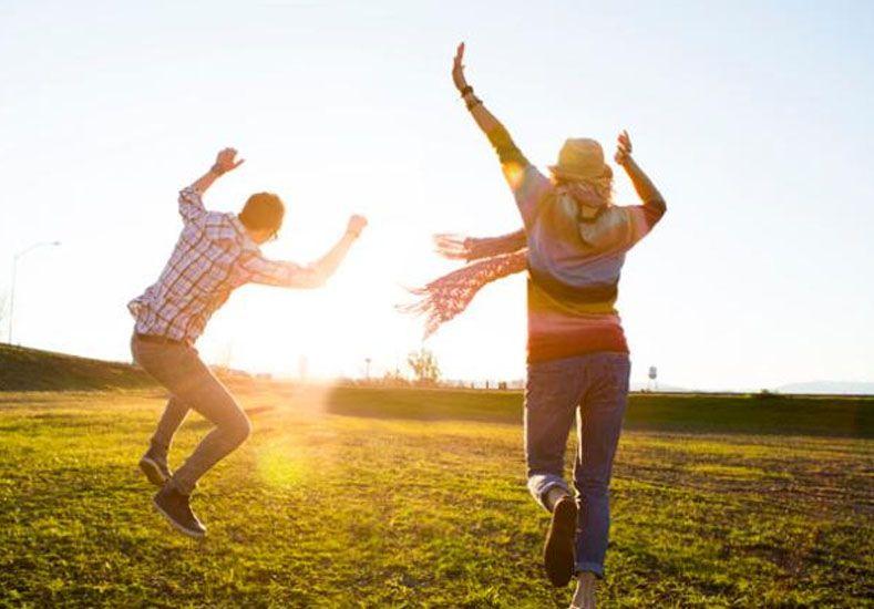 Las seis claves para ser feliz que es necesario sostener en el tiempo para sentirse pleno