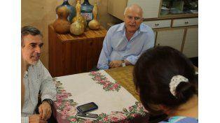 El gobernador visitó a una paciente afectada por el dengue en Santo Tomé