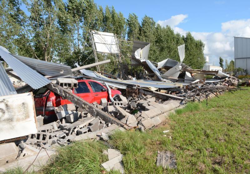 Perotti recorrió la zona industrial afectada por el temporal en Rafaela