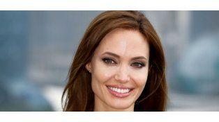 Los nuevos tatuajes místicos de Angelina Jolie
