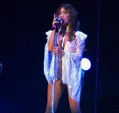 La cantante del momento tuvo algunos inconvenientes en su presentación en Río Negro.