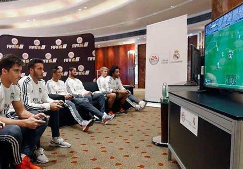 Un equipo de fútbol incorporó a un jugador para ganar el torneo de playstation