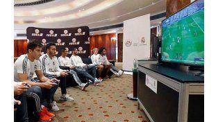 Los clubes de fútbol no sólo juegan la versión real del deporte sino también la virtual.