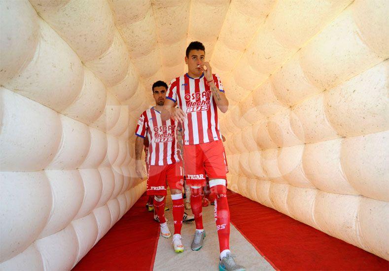 Mauricio Martínez jugó gran parte del segundo tiempo tirado sobre la derecha y pudo destacarse / Foto: Manuel Testi - Uno Santa Fe
