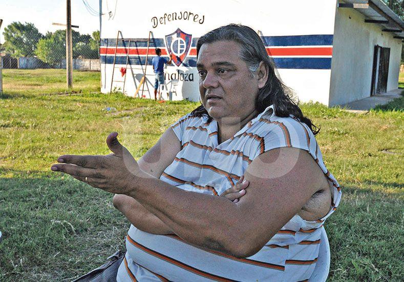No descansa. Pascual Micucci está todos los días bregando por los intereses de la entidad de barrio Schneider./ José Buseimi.