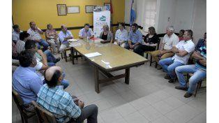 En esperanza. El subsecretario de Lechería de la Nación analizó el viernes con tamberos las demandas sectoriales.