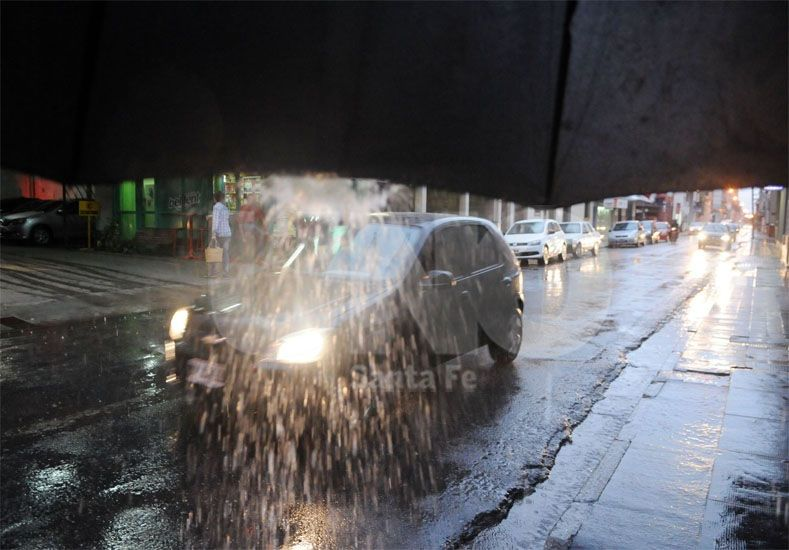 Rige un alerta por tormentas para el centro y sur provincial