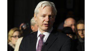 Assange daría hoy una conferencia de prensa vía Skype. (AP)