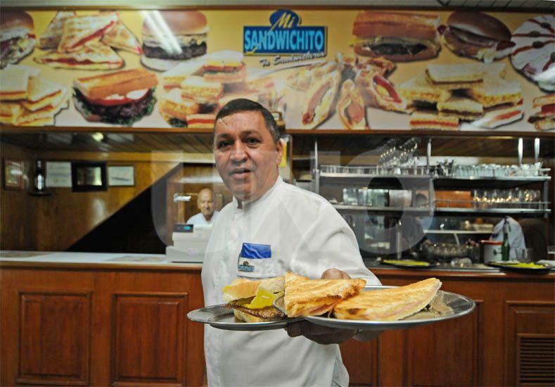 Tradición. Generaciones de santafesinos pasaron por esa emblemática esquina para comer y tomar algo / Foto: Manuel Testi - Uno Santa Fe