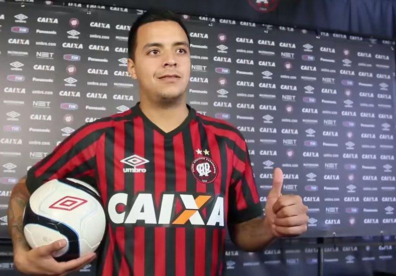 Barrientos estuvo en Brasil el último semestre del año pasado y podría sumarse a préstamo para esta temporada.