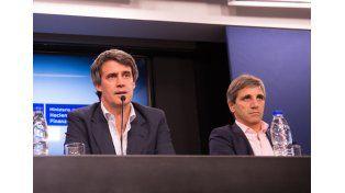 Prat Gay y Luis Caputo. Foto: Télam
