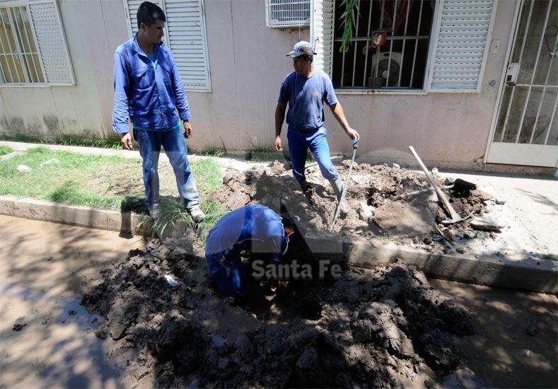 Intensos. Las obras en el cambio de la instalación empezaron el viernes 22 de enero / Foto: Mauricio Centurión - Uno Santa Fe