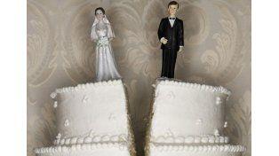 Se divorció en secreto y su mujer lo descubrió 20 años después