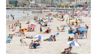 La imponente playa de Piriápolis.