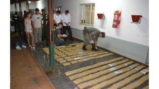 Gendarmería secuestró 180 kilos de marihuana en un colectivo de larga distancia