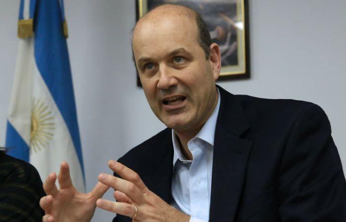 Blindaje financiero. El presidente del Banco Central acordó un crédito puente con un grupo de bancos.