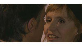 Caliente encuentro entre Pablo Echarri y Esther Goris en La leona