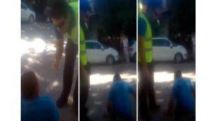No le creyeron que era paralítico y tuvo que arrastrarse en plena calle